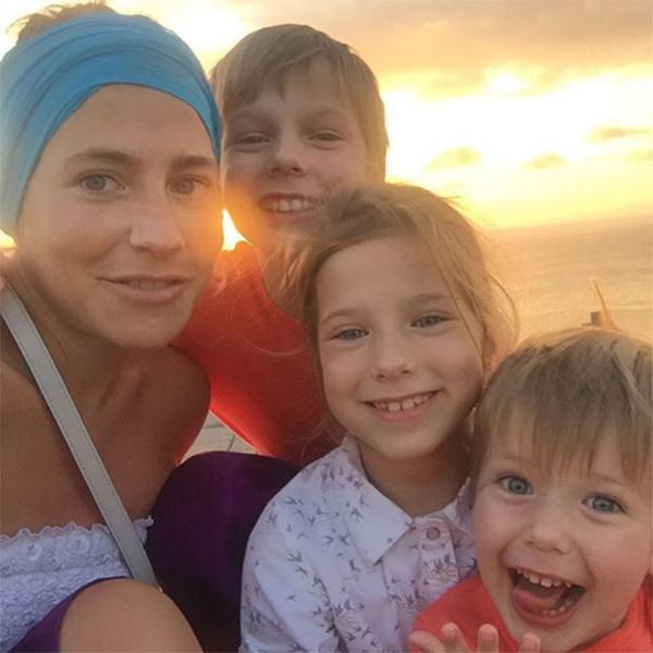 Юлия Барановская провела январские каникулы вместе с детьми на Бали