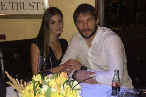 Хоккеист обрел счастье в лице модели Анастасии Шубской