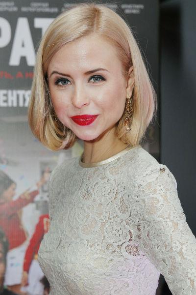 Мирослава Карпович со времен сериала успела несколько раз сменить имидж