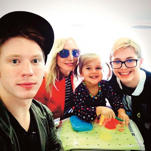 Дети певицы – 26-летний Никита, 19-летний Дени и 5-летняя Клавдия – часто собираются вместе