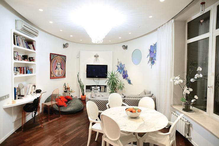 В квартире Маши почти нет углов, все стены круглые