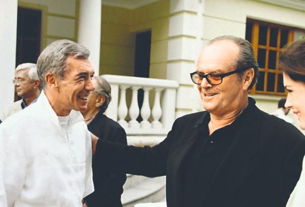 Юрий Александрович знаком и со многими зарубежными звездами. На фото – с Джеком Николсоном