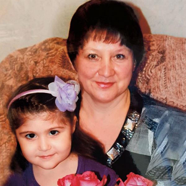 «Моя тетя Фание – удивительная!» - рассказывает 10-летняя Эмилия Булякбаева из Новотроицка, что в Оренбургской области