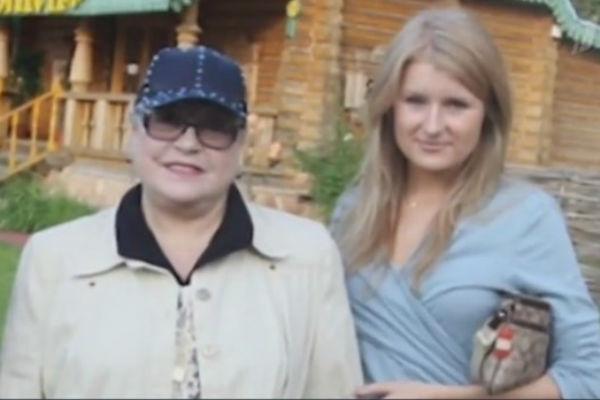 С любимой внучкой Аней