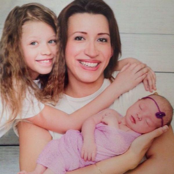 Елена с дочками Мартой и Умой