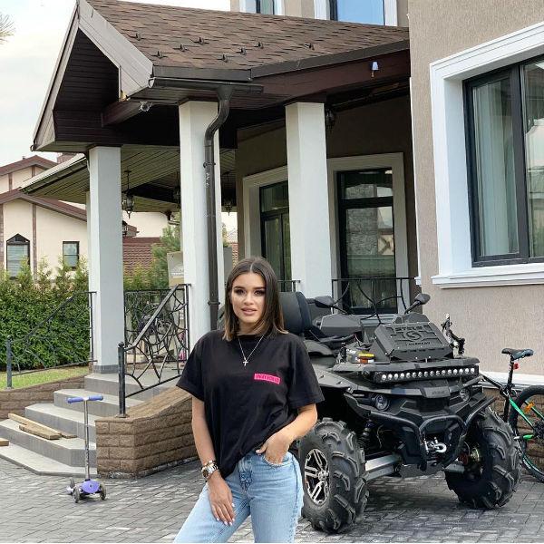 Ксения Бородина недавно переехала за город