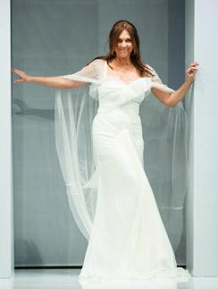 Не так давно Татьяна Лютаева примеряла свадебное платье в рамках модного показа