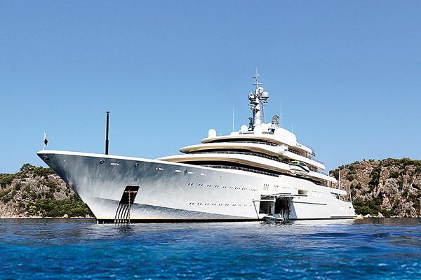 На систему безопасности судна Абрамович потратил $700 млн