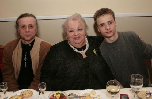 Василий Крачковский, Наталья Крачковская и внук актрисы Володя