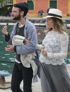 За месяц до родов Сиенна и Том успели съездить в Италию
