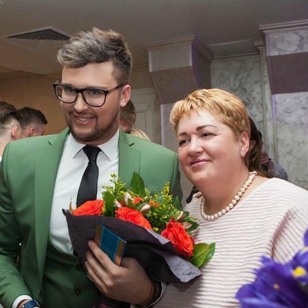 Егор очень очень близок с матерью