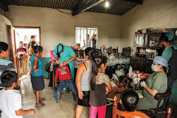 Врачи принимают в день по 15 человек – больше не позволяют условия
