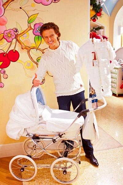 Прохор Шаляпин купил своему будущему сыну коляску