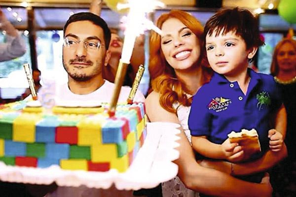 «Любимые брюнеты», как называет Стоцкая мужа и сына, очень рады, что в их семье грядет пополнение