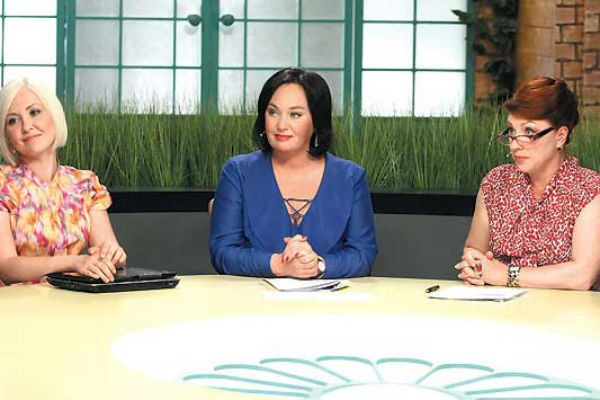 Трио ведущих работает вместе уже десять лет