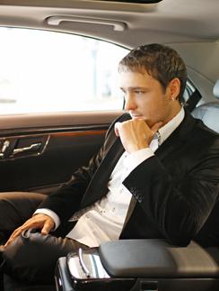 Юрий Шатунов в салоне подаренного ему авто
