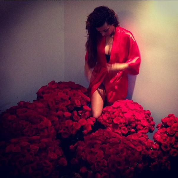 «Некоторые мужчины дарят цветы домами», - прокомментировала презент Аня