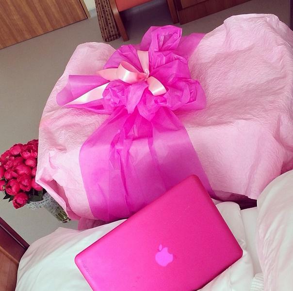 Первые подарки для дочери Елены Перминовой