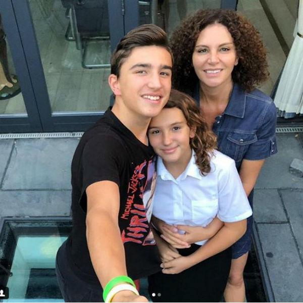 Вдова и дети Дмитрия Хворостовского