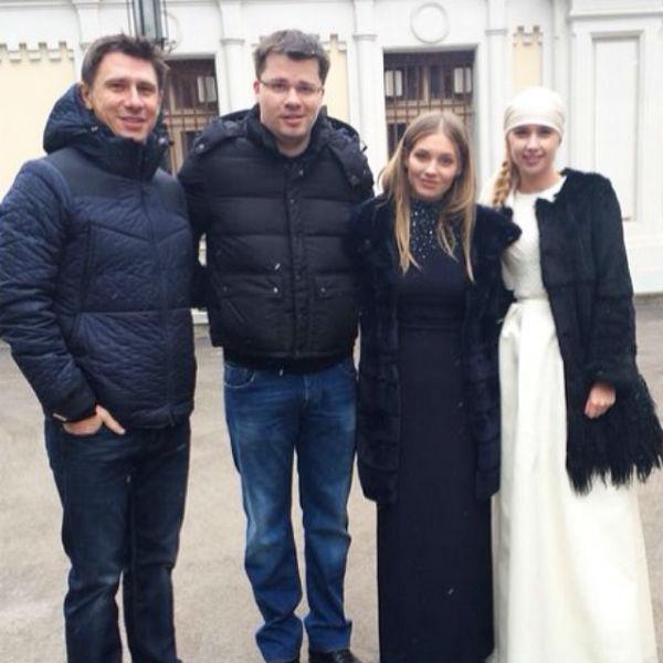 Гарик Харламов и Кристина Асмус с кумовьями