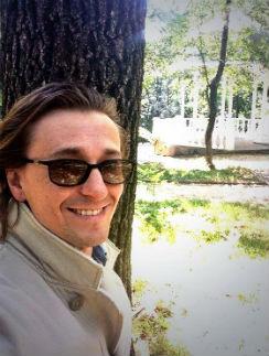 Актор давно мечтал собрать любителей поэзии Есенина
