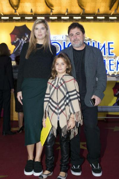 Не так давно Александр Цекало вывел в свет жену и повзрослевшую дочь