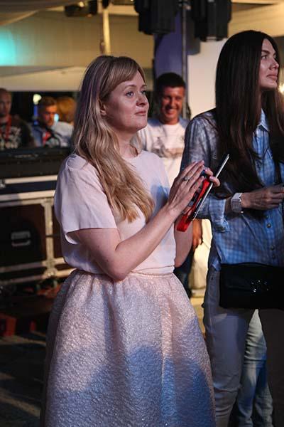 К концу концерта среди зрителей была замечена Анна Михалкова