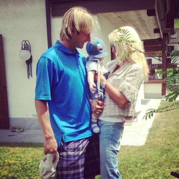 Рудковская с мужем Евгением Плющенко и сыном Александром