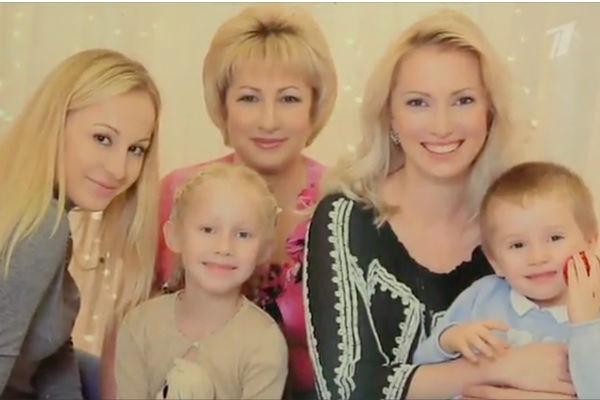 Дочь Олега Анофриева с дочками и внуками
