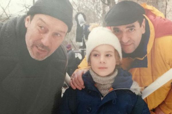 По мнению фанатов, Иван очень похож на деда