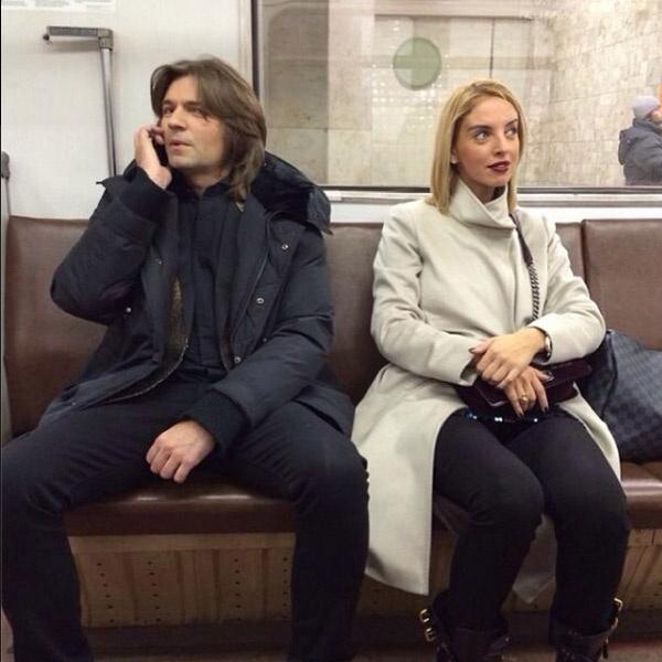 Певец с комфортом проехался в общественном транспорте