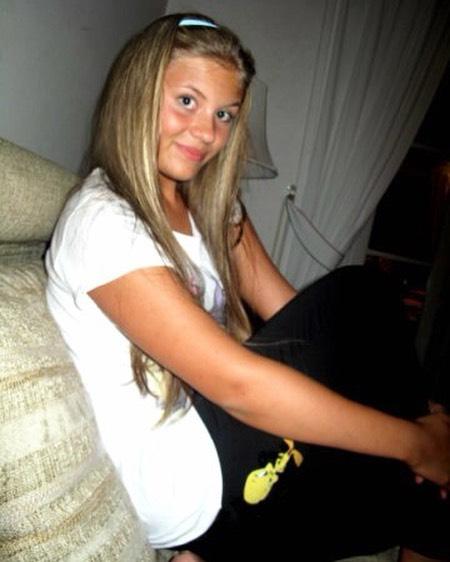 Такой Анна была в 15 лет