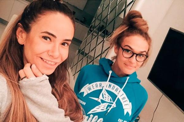 Айза Долматова и Алена Водонаева