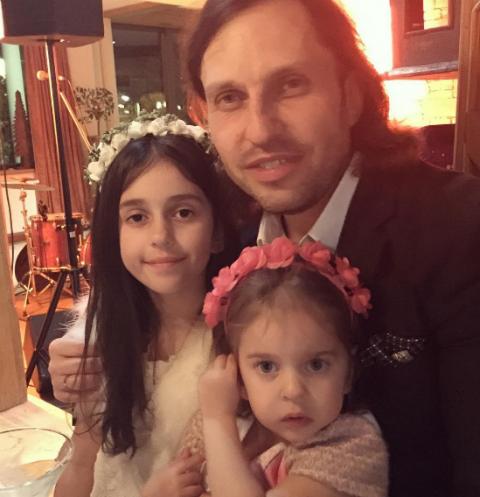 Александр Ревва ни в чем не отказывает своим дочкам