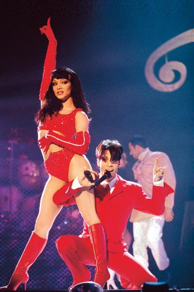 В 1996 году певец женился во второй раз. Его избранницей стала танцовщица, бэк-вокалистка Майта Гарсиа