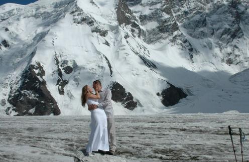 31-летняя журналистка Елена и 47-летний топ-менеджер строительной компании Евгений вместе уже пять лет, август 2009 года