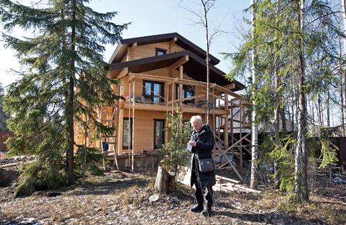 Площадь дома – 270 кв. м (из них 54 кв. м – балконы). Земельный участок и строительство обошлись Светлане в 14 млн руб.