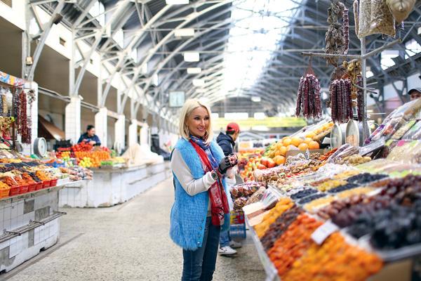 Продукты для семьи Лера покупает на Кузнечном рынке
