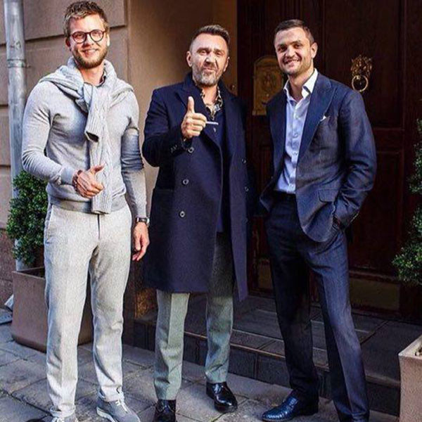 Заказывать здесь костюмы любит Сергей Шнуров (на фото в центре)