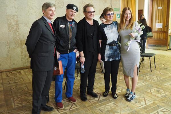 Владимир Пресняков и его группа поддержки