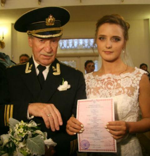 Иван Краско с женой Натальей на свадьбе в 2015 году