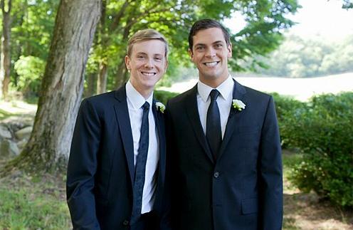 Молодожены Крис Хьюз (слева) и Шон Элридж (справа)