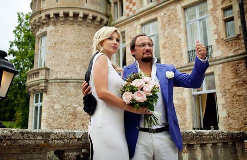 Chateau d'Esclimont, построенный в XVI веке, такой красивой  пары, как Стас и Инна, наверняка не видел