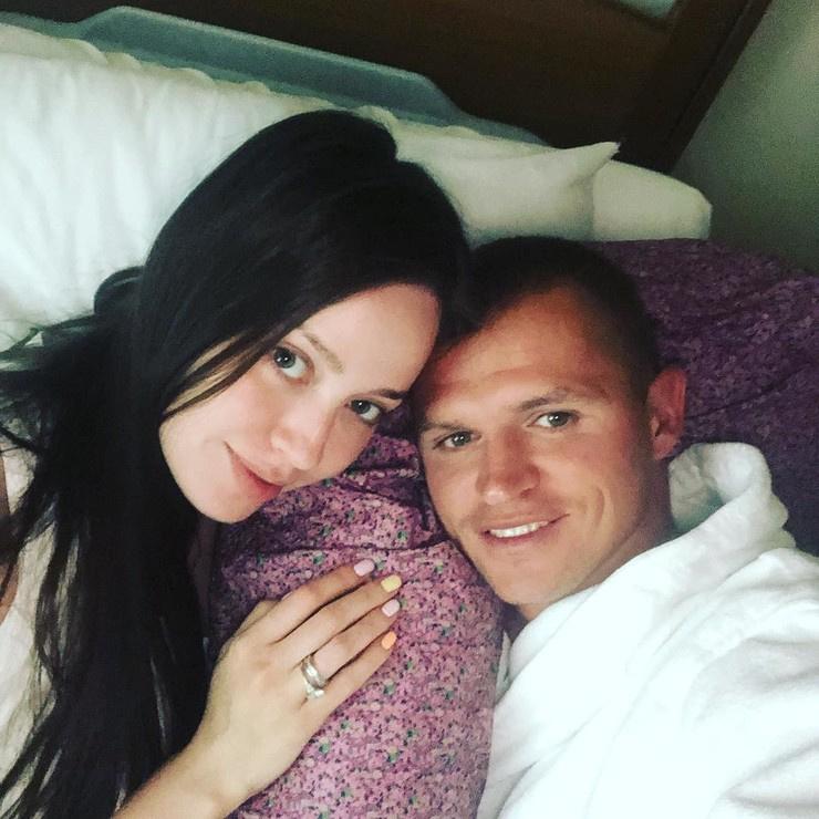 Анастасия Костенко и Дмитрий Тарасов поженились лишь этой зимой
