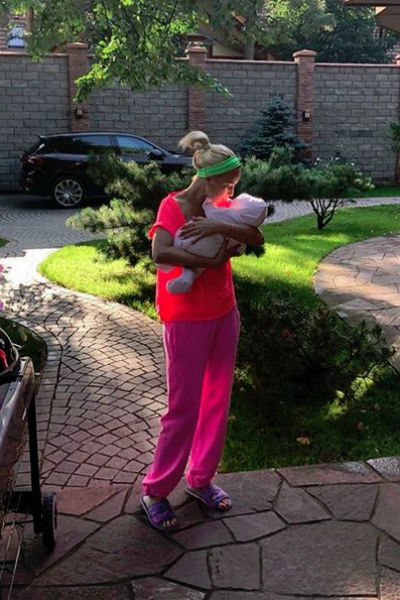 Кудрявцева боится показывать лицо дочери