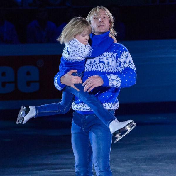 Евгений Плющенко учит сына фигурному катанию