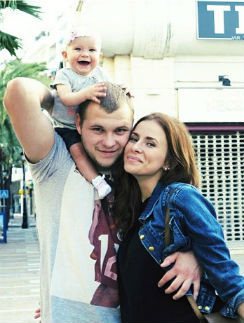 Тата Мамиашвили с мужем и дочкой