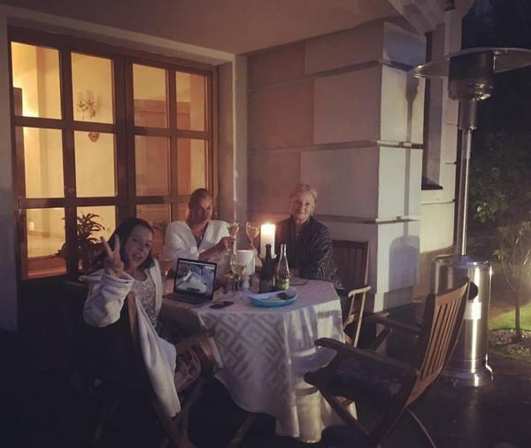 Семейный ужин в доме Анастасии Волочковой