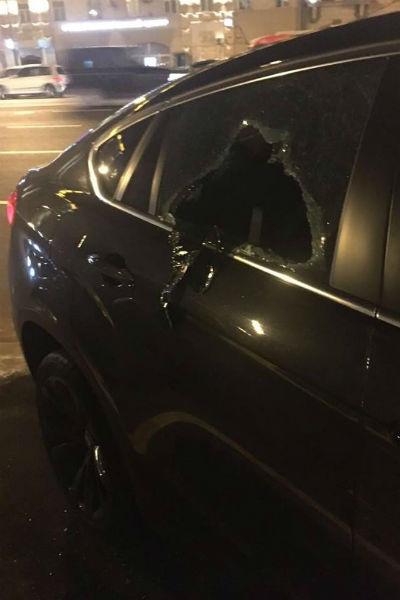 Машину ограбили прямо на платной парковке