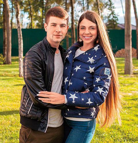 Оля и Дима стараются строить отношения на проекте